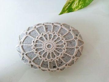 Lace stone